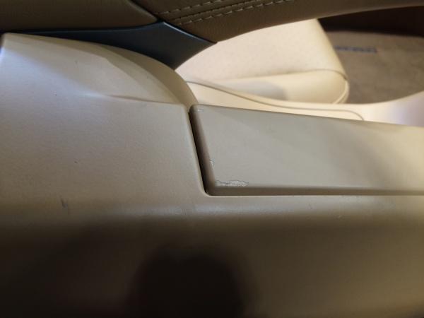 内装変色・塗装剥がれ補修 ポルシェ911(997)