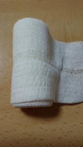追伸 白い包帯
