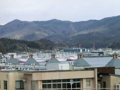 町2港を望む