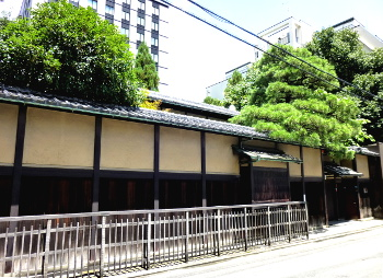 綾小路の家