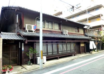 六角北側の家
