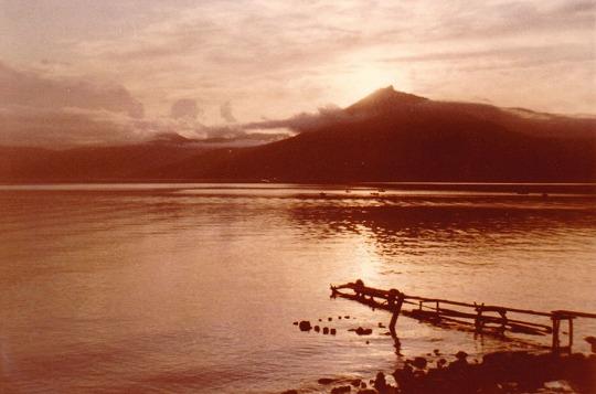 650820支笏湖の夕暮れ恵庭岳