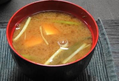 豆腐の赤出汁