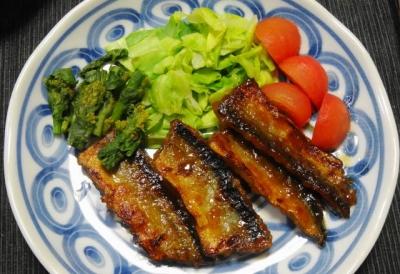 冷凍秋刀魚の唐揚げ
