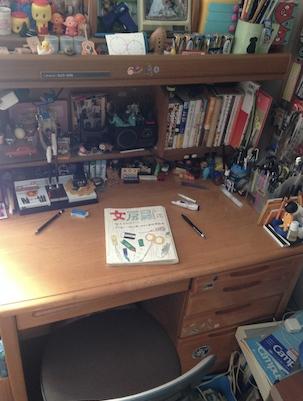 机に本 320xIMG_4206