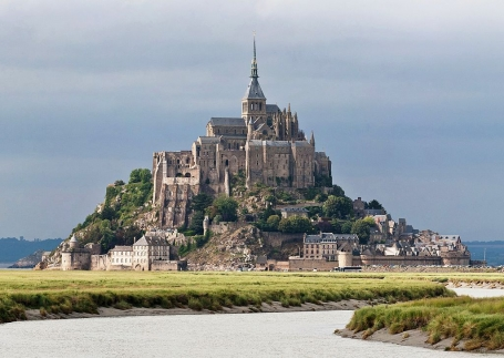 1024px-Mont_St_Michel_3,_Brittany,_France_-_July_2011