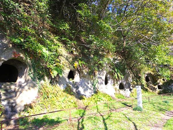 「十五郎穴横穴墓群」
