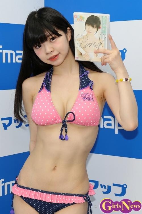お母さん「オトナになったよ」 Fカップグラドル声優 凪沢怜奈(20)がソフマップ