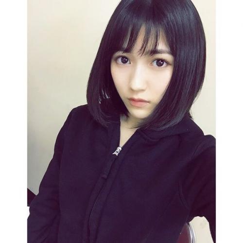 渡辺麻友、前髪ばっさりイメチェン姿を公開 「まゆ選手可愛すぎます」など絶賛の声が殺到