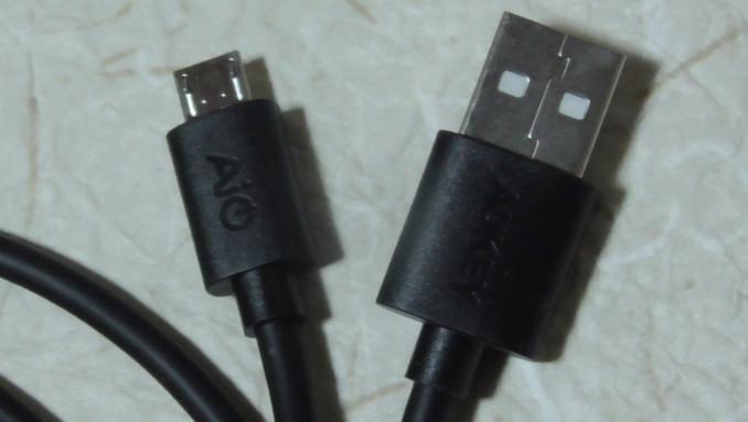 AukeyのマイクロUSBケーブルと5ポート内蔵充電器のレビュー4 14-49-51-466