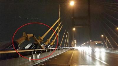 火事で切れた西海大橋のワイヤー
