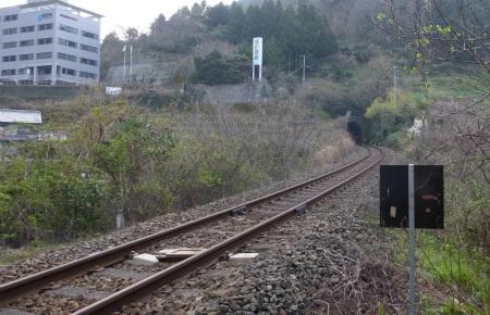夜昼トンネル02