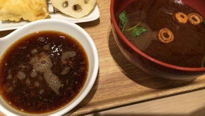 鶏天御膳 赤出しと天ぷらのタレ