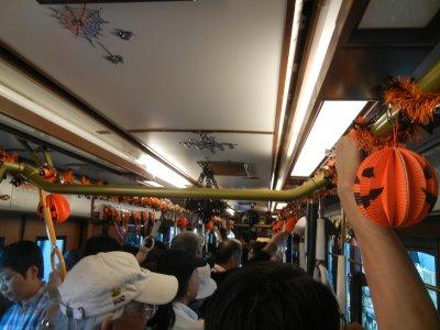 ハロウィン電車の中