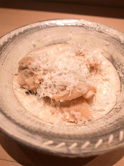 150726ひさ田-煮蛤 吉田牧場のチーズ薄削り すだちを搾って