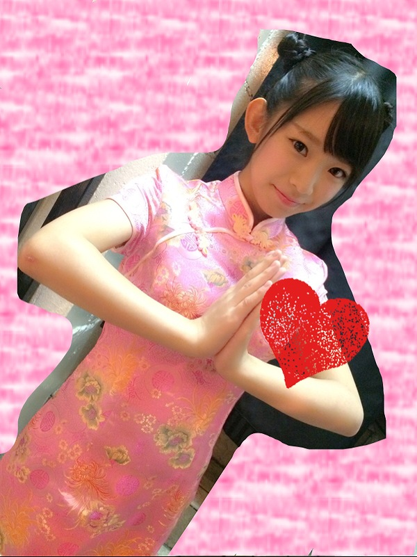 チャイナドレス姿の長澤茉里奈