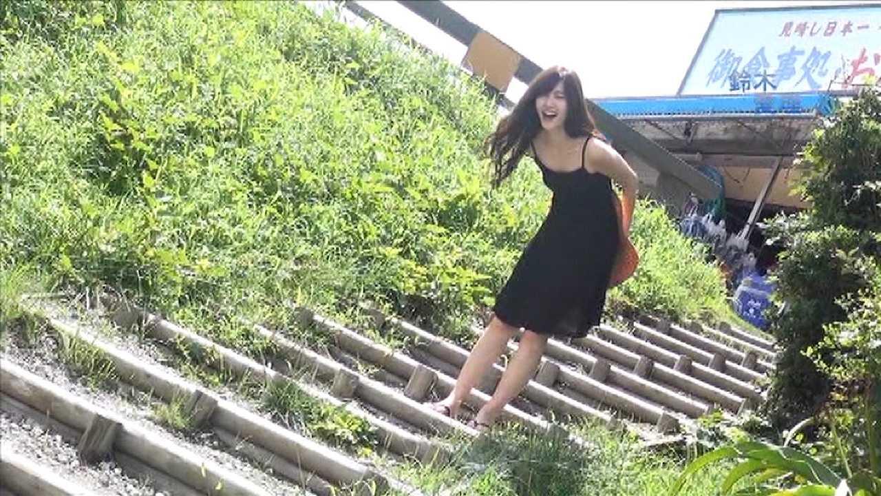 ℃-ute・鈴木愛理のセクシーDVDキャプチャ画像