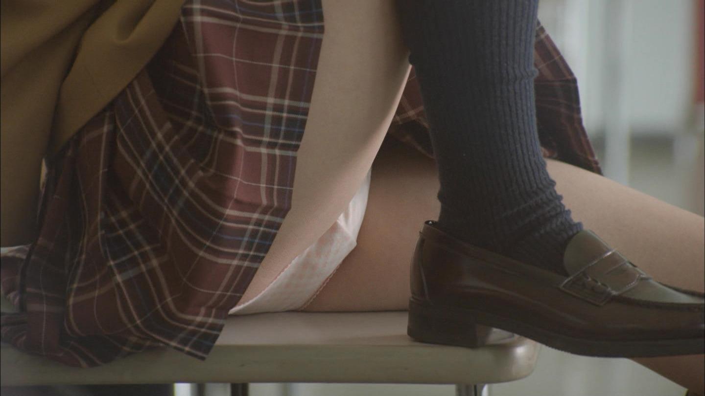 ドラマ「監獄学園 プリズンスクール」制服JKのパンツ丸見えシーン