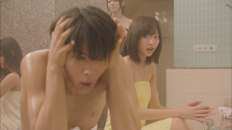 ドラマ「監獄学園 プリズンスクール」入浴シーンでJKの手ブラ
