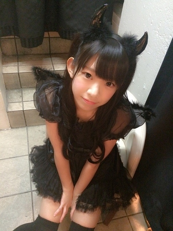 悪魔コスプレをした長澤茉里奈