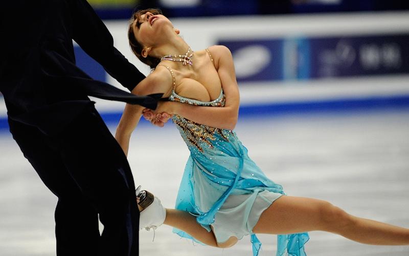 競技中に乳首ポロリするフィギュアスケート選手