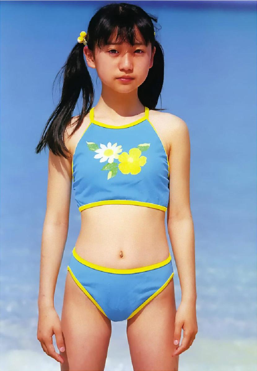 ジュニアアイドル時代の大島優子の水着グラビア