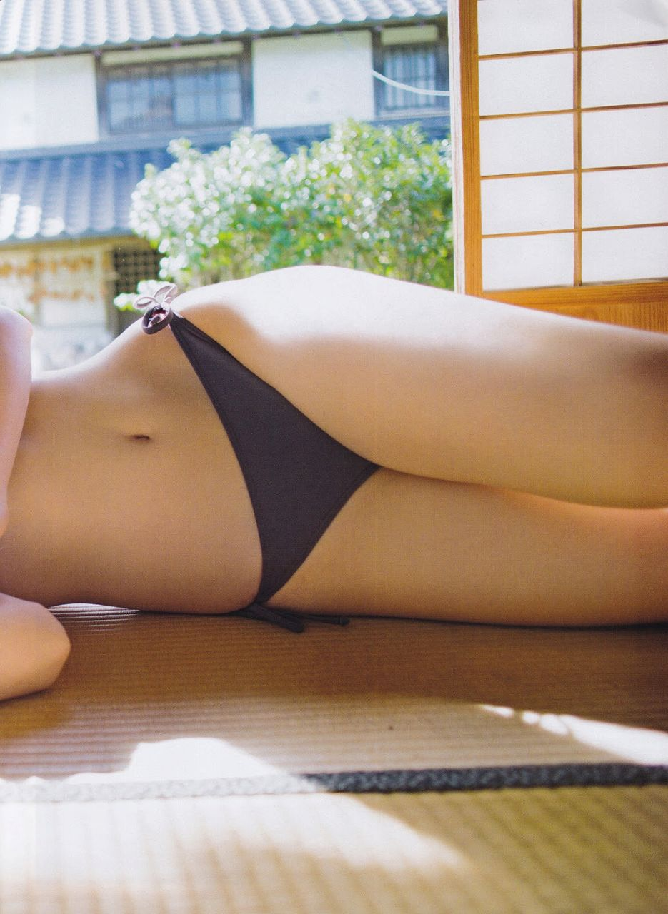 「月刊エンタメ」2015年12月号、SKE48・北川綾巴の水着グラビア