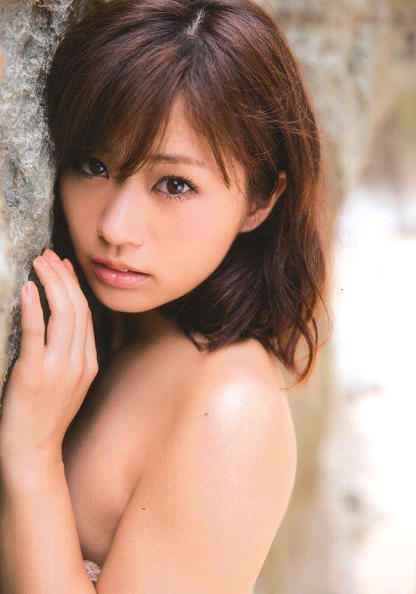 安枝瞳の写真集「ひとみしり」画像