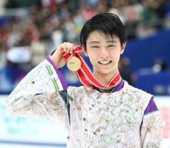羽生NHK杯金メダル写真