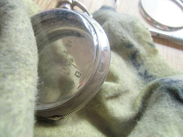銀用クロスで拭き掃除