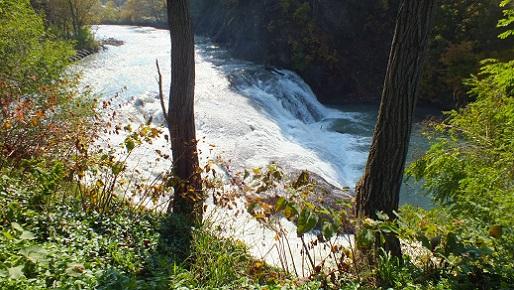 魚染の滝 (4)
