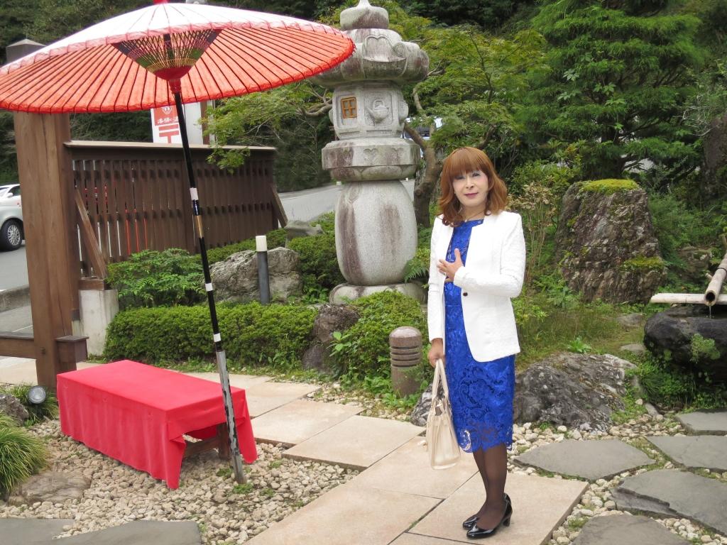青レースワンピ白ジャケット秩父(1)