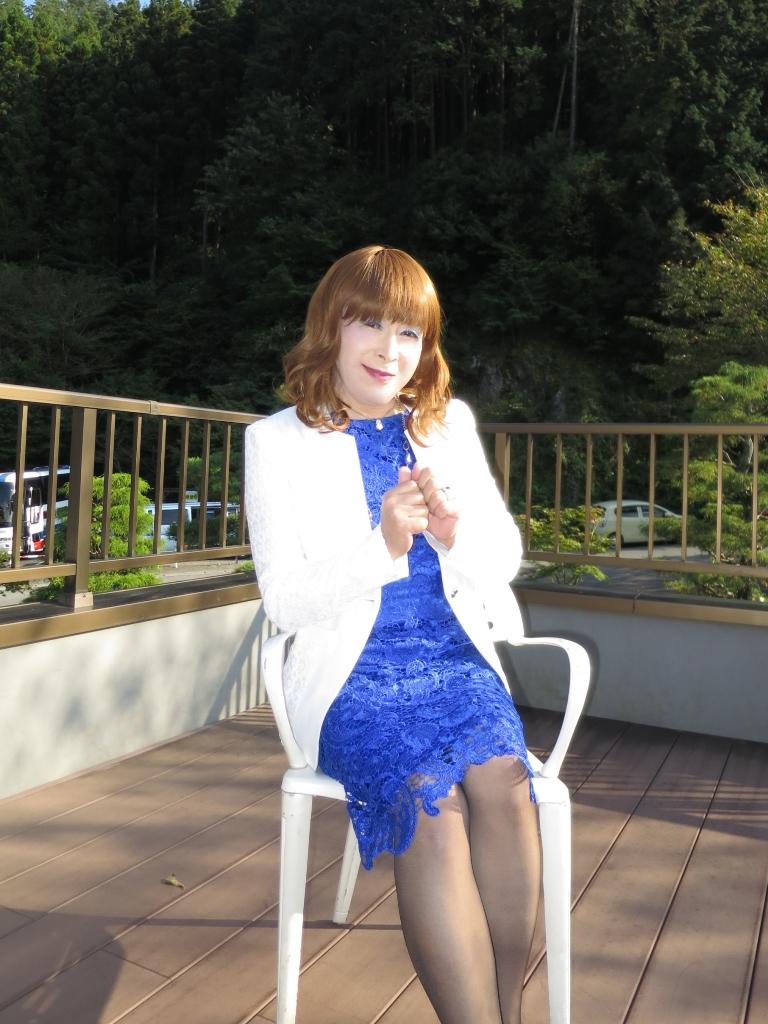 青レースワンピ白ジャケット秩父(7)