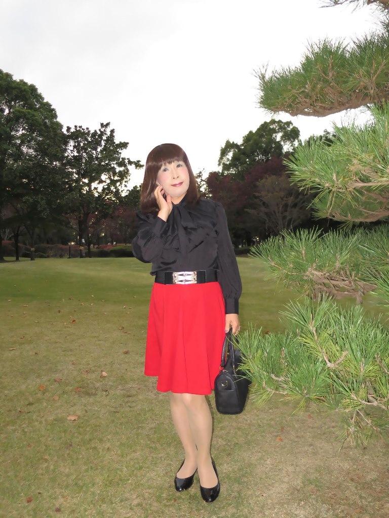 赤スカート黒ブラウスA(6)