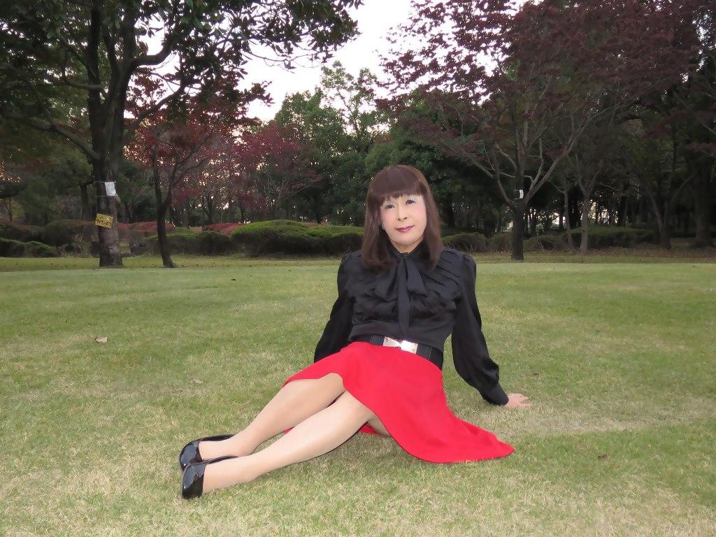 赤スカート黒ブラウスC(2)