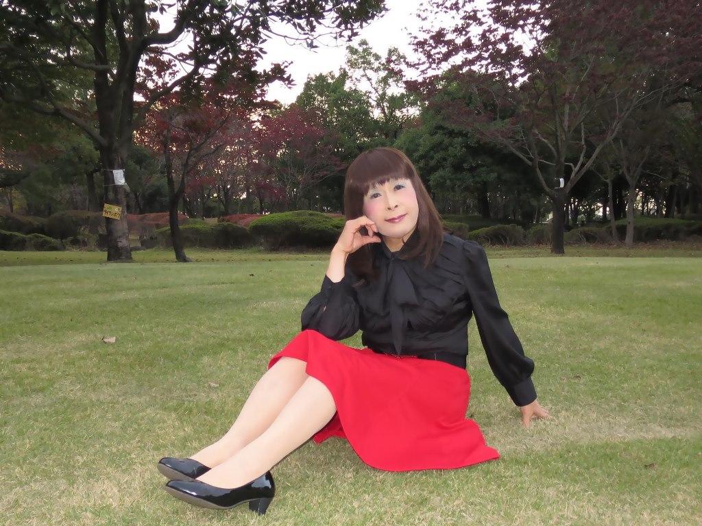 赤スカート黒ブラウスC(3)