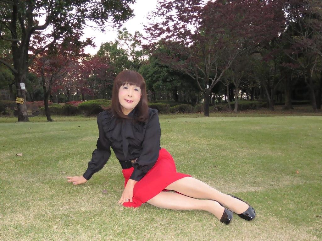 赤スカート黒ブラウスC(5)