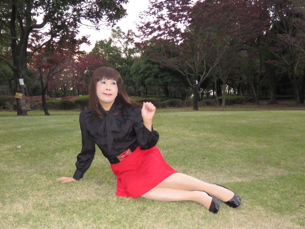 赤スカート黒ブラウスC(7)