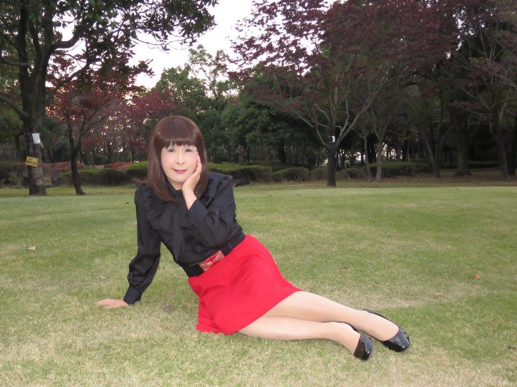 赤スカート黒ブラウスC(6)