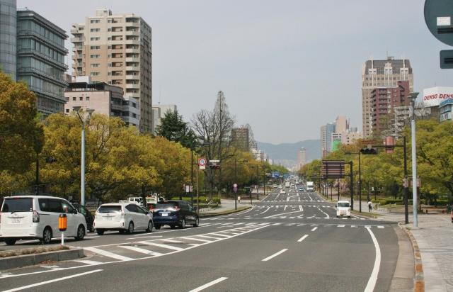 IMG_3068 平和大通り新緑(640x412)