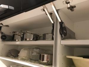 カップボード上段棚の内部