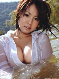 isoyama_sayaka_g118.jpg