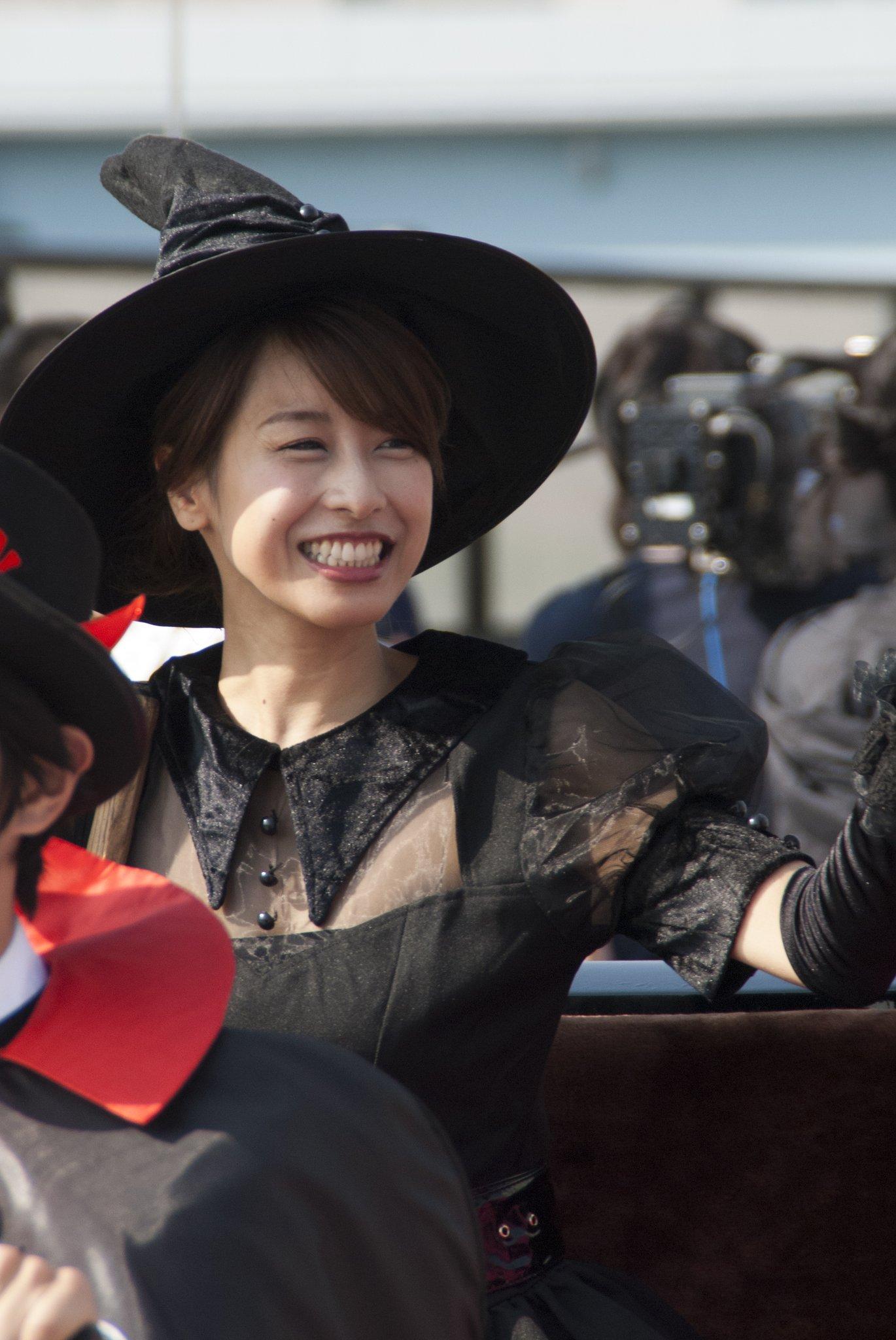 加藤綾子アナ 色っぽいハロウィンパレードの高画質ショットが次々とネットにUPされてるwwwwwwwwwwwwww
