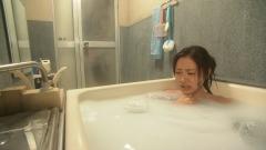 石原さとみ谷間チラ入浴画像4