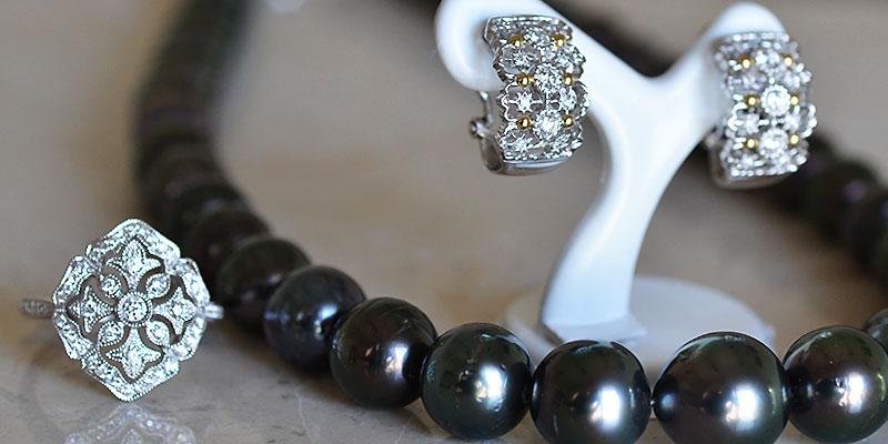 南洋黒真珠ネックレスダイアモンドリングダイアモンドイヤリング
