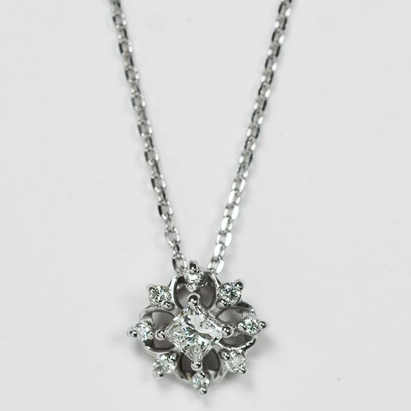 K18WGホワイトゴールドダイアモンドプリンセスカットダイアモンドペンダントネックレス