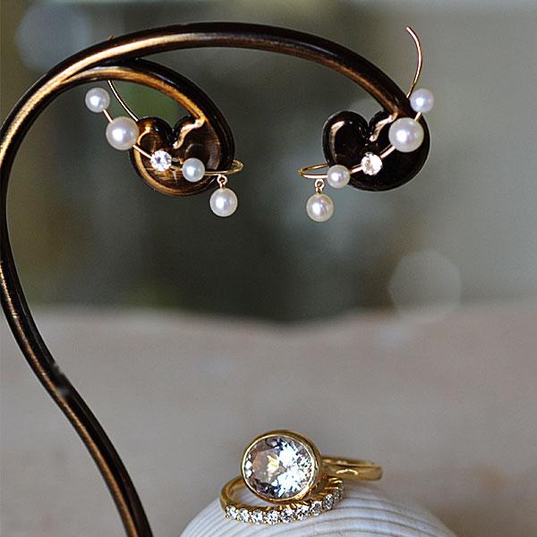 K18イエローゴールド淡水真珠ホワイトトパーズイヤーカフ兼ピアス1