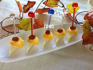 チーズと柿のピンチョス