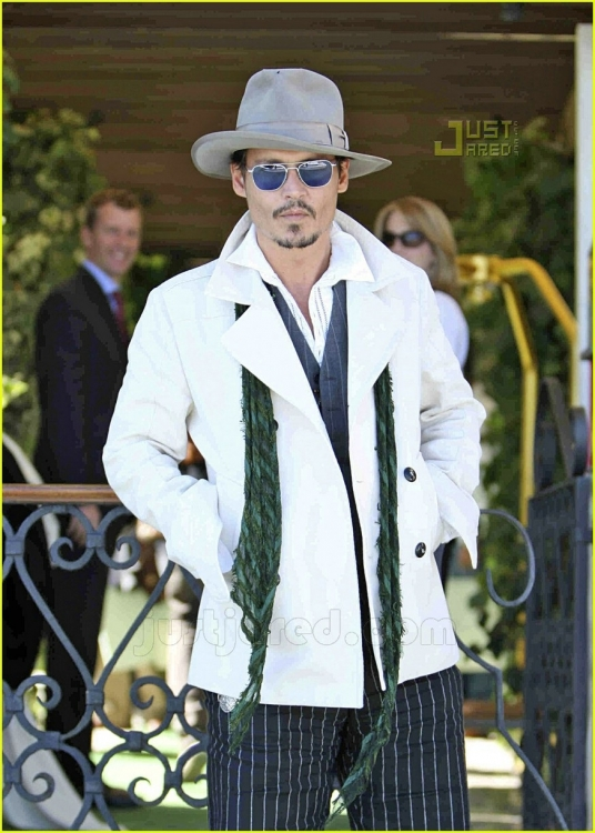 johnny-depp-luggage-07cc.jpg