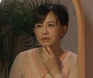 【熟女性誌 モデル40 写真画像】四十路の熟母!成熟した肉身体に群がる息子の同級生!浅井舞香